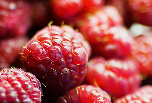 nutri-book.gr_which-fruits-have-the-most-sugar_rasberries